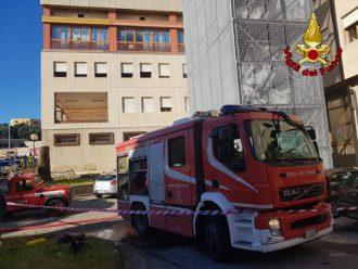 vigili del fuoco incendio all'ospedale papardo