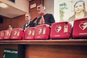 Messina città cardioprotetta: Accorinti consegna gli 11 defibrillatori