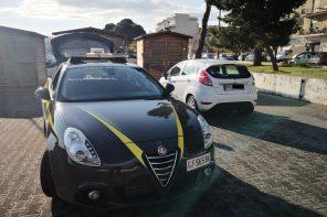 La Guardia di Finanza sequestra 6 auto con targa straniera