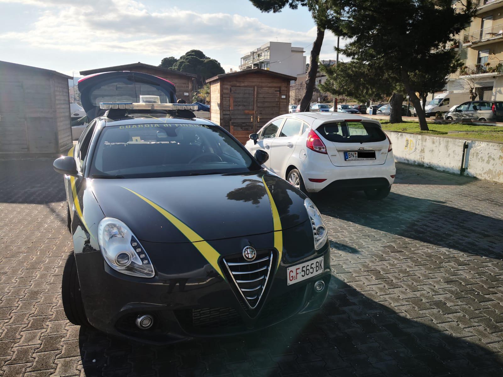guardia di finanza di patti sequestra 6 auto con targa estera