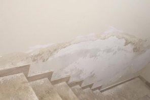 Alloggi popolari danneggiati a pochi mesi dalla costruzione: De Luca infuriato sui social