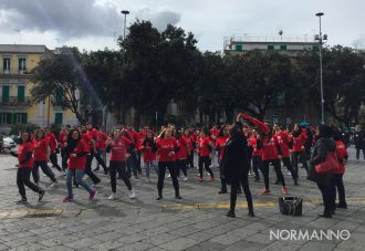 flash mob one billion rising messina, piazza duomo