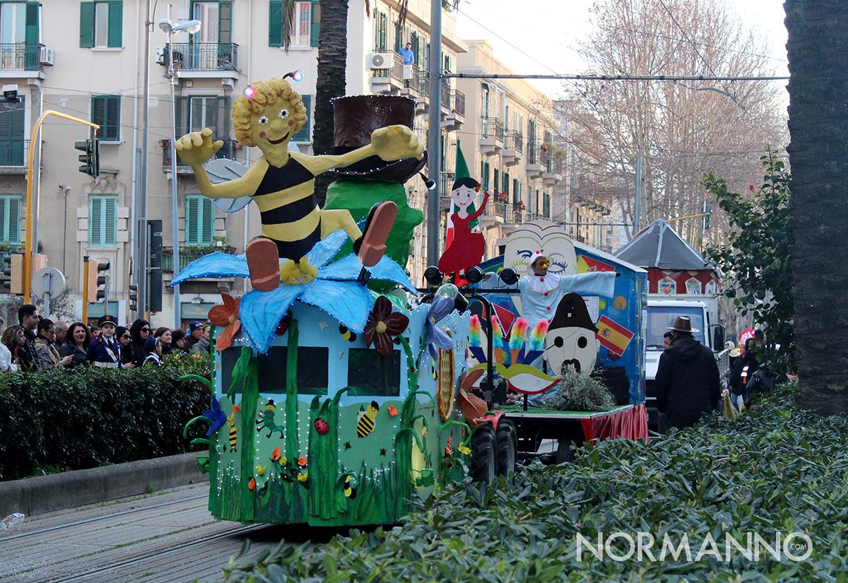 sfilata dei carri di carnevale a messina