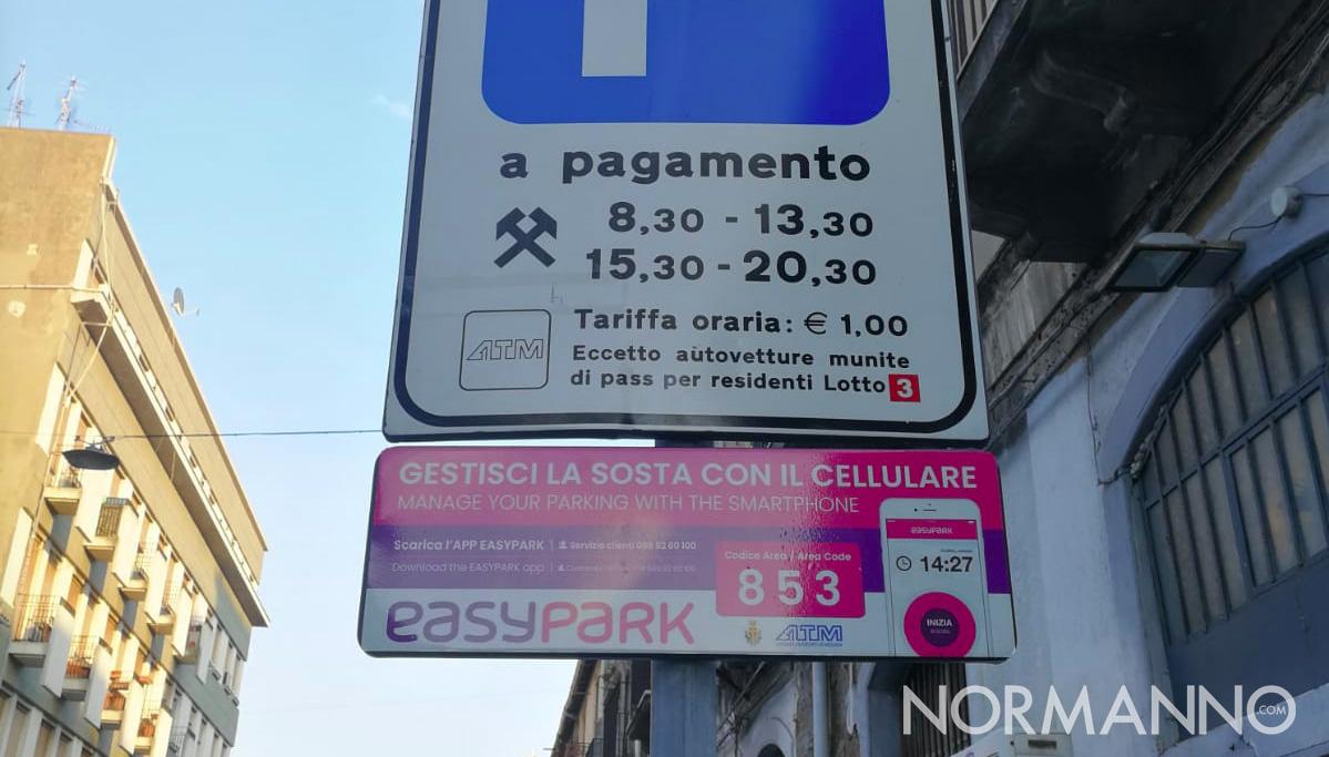 foto cartelli pubblicitari easy park a Messina