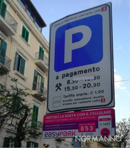 foto cartelli pubblicitari easy park a Messina