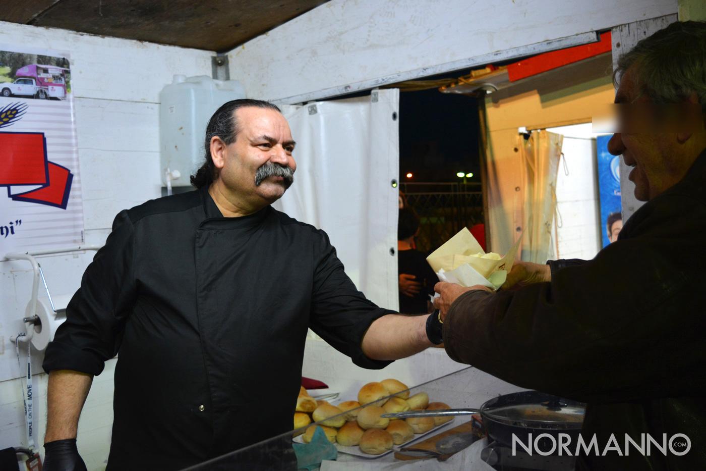 Foto dello stand del pane con la meusa allo Street Food di Primavera 2019