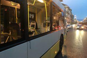 Messina. Distruggono il vetro di un bus. Identificati 3 vandali