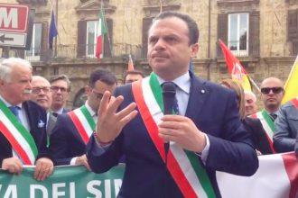 Foto della marcia dei sindaci a Palermo - ex-province