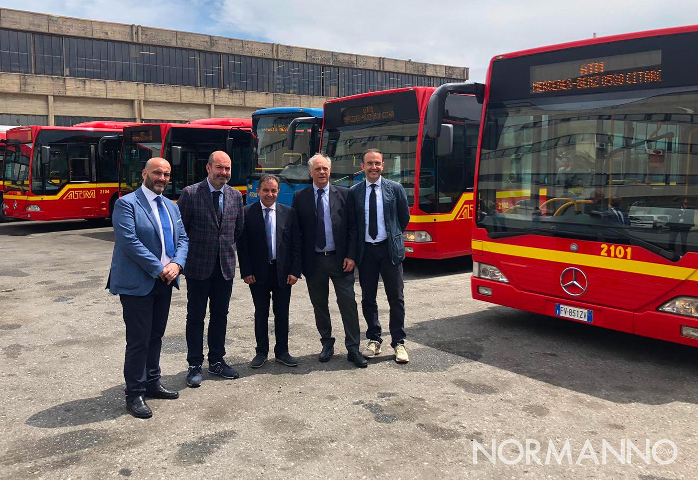 mondello e il cda di atm alla presentazione dei nuovi autobus di messina