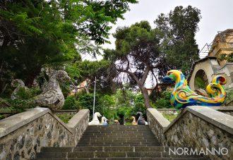 """Foto della nuova scalinata """"rampa della colomba"""", arte e mostri marini - Messina"""