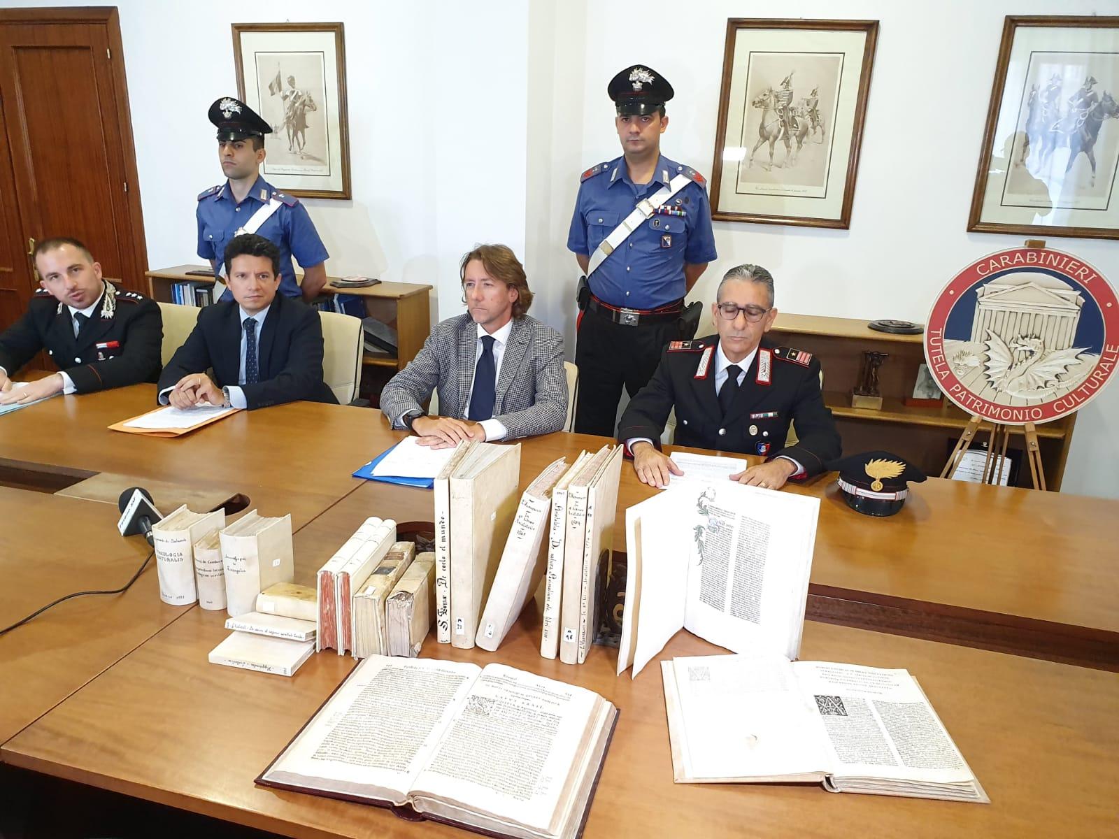 Foto conferenza TPC libri antichi rubati