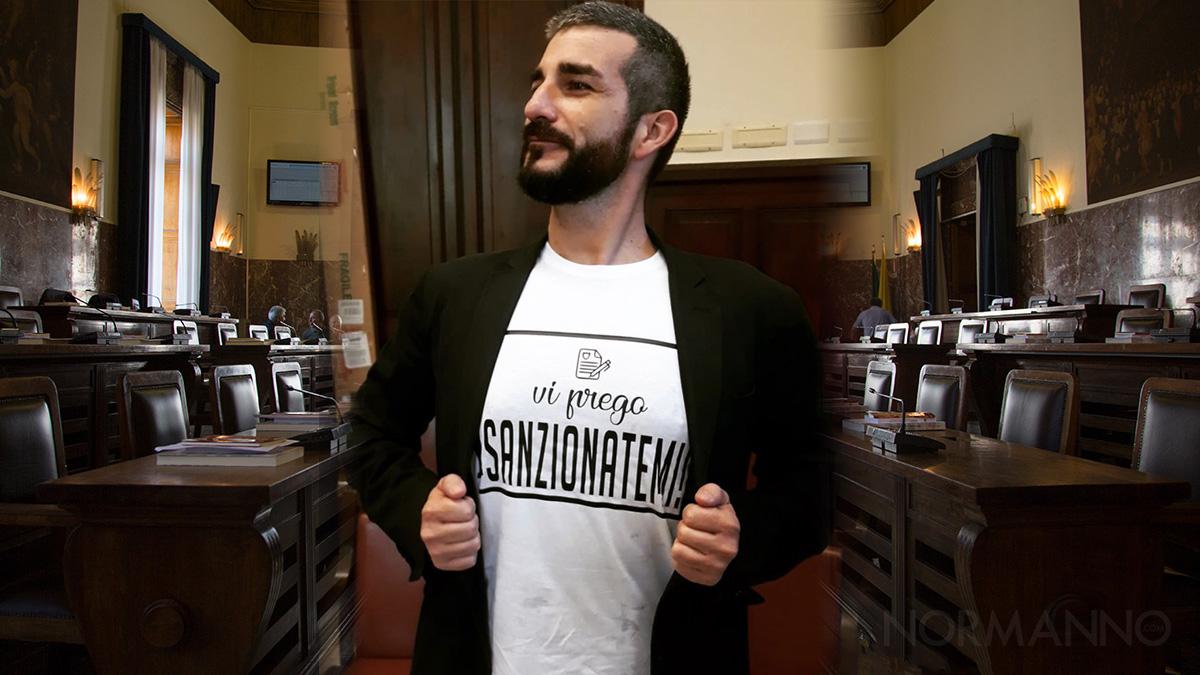 """Foto di Alessandro Russo con la maglietta """"vi prego sanzionatemi"""" ordinanza decoro Messina"""