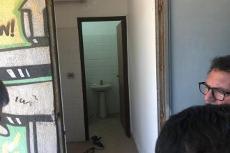 sopralluogo di cateno de luca a villa sabin dopo gli interventi di pulizia