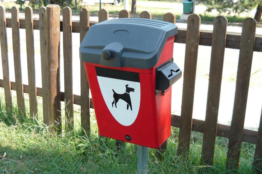 contenitore deiezioni canine