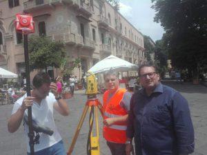 sopralluogo dell'assessore Massimiliano Minutoli alla fontana di orione in attesa che inizino i lavori a piazza duomo