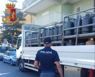 sequestro bombole a barcellona in provincia di messina