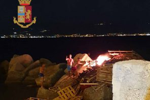 Falò di Ferragosto: due arresti a Messina per incendio doloso e resistenza a pubblico ufficiale