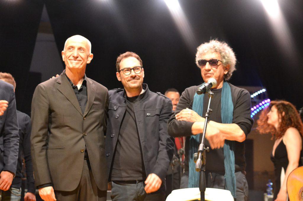 """Foto spettacolo """"Grande Sud"""" - Eugenio Bennato e Taranta Power"""