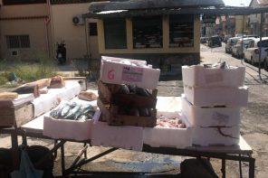 Lotta ai venditori abusivi a Messina. Sequestro di pesce a Piazza Martiri d'Ungheria