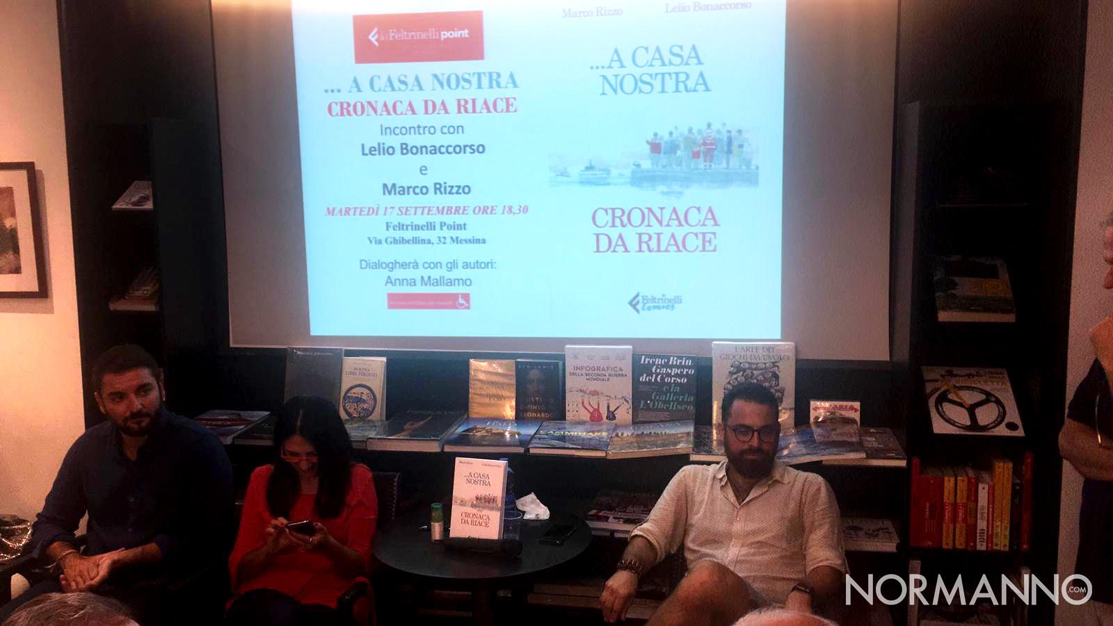 Foto della presentazione del libro di Marco Rizzo e Lelio Bonaccorso - Cronache da Riace