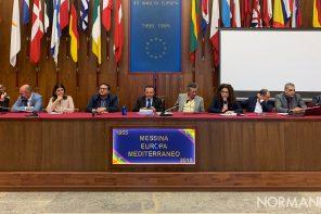 Dalla differenziata alla cultura (che non c'è): faccia a faccia tra De Luca e i giornalisti