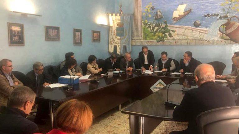 riunione con cateno de luca per la realizzazione dello svincolo autostradale di alì terme, sulla a18 messina catania