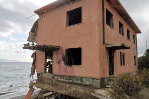 L'ex Samar di Contesse sotto il mirino di De Luca: entro 4 mesi la demolizione