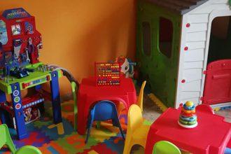 """foto di giochi per bambini della ludoteca """"casa dei più piccoli"""" nata da un progetto di unime e terra di gesù onlus"""