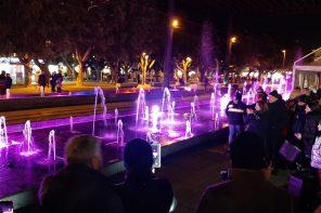 Riattivata la fontana di Piazza Cairoli: tornano i giochi d'acqua e di luci