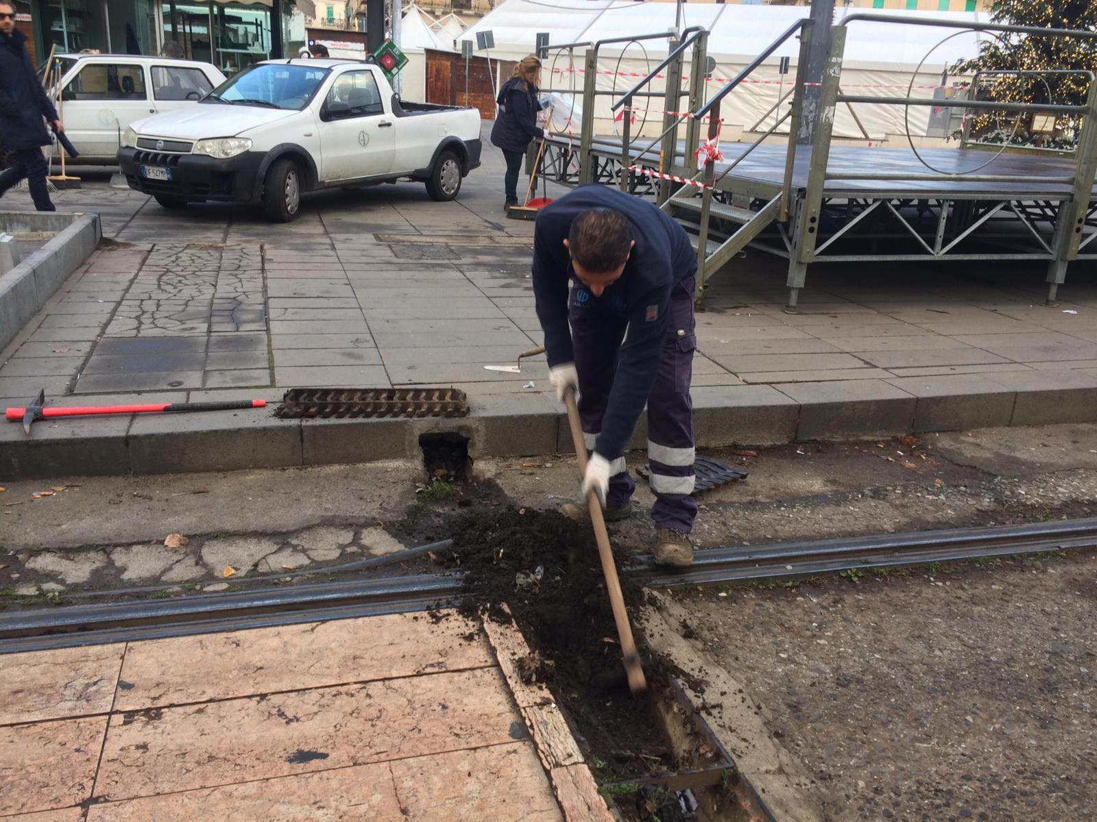 lavori AMAM per riattivare i giochi d'acqua di piazza cairoli a messina