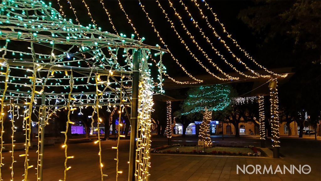 luci e luminarie di natale a piazza cairoli, a messina