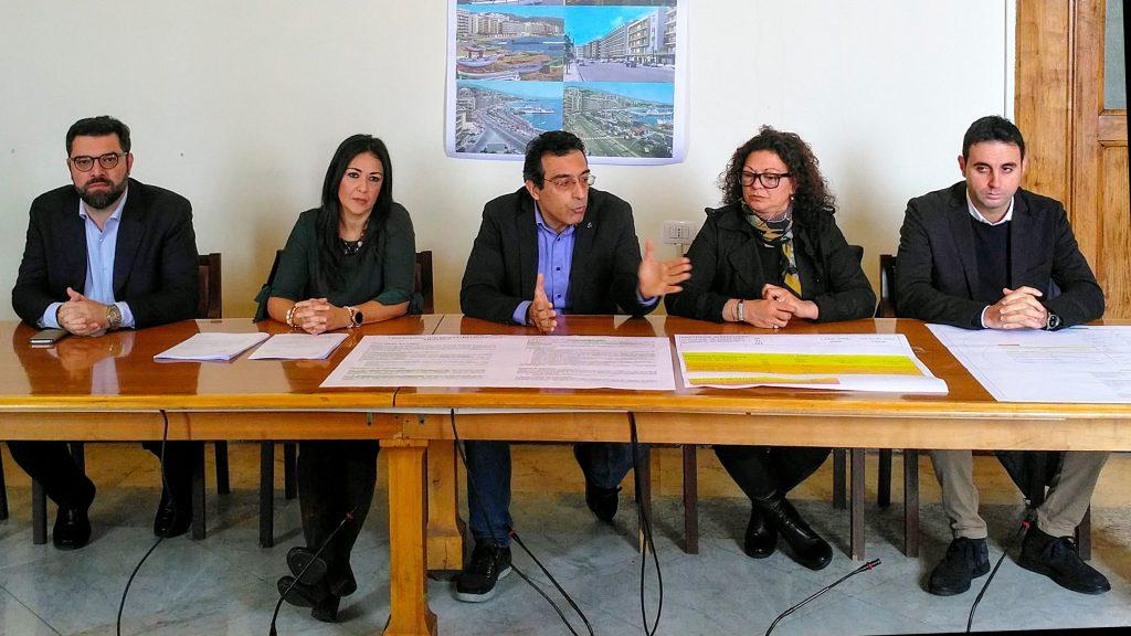 il movimento 5 stelle propone la sua idea per recuperare e valorizzare l'ex hotel riviera di messina