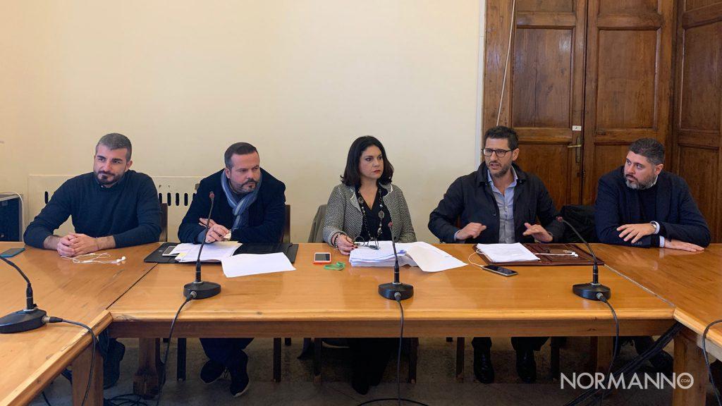 i membri del pd in consiglio comunale rispondono alle accuse di cateno de luca sulla liquidazione di atm