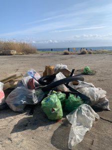 fare verde messina pulisce la spiaggia della zona falcata