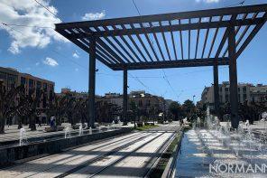 foto dei giochi d'acqua della fontana di piazza cairoli a messina