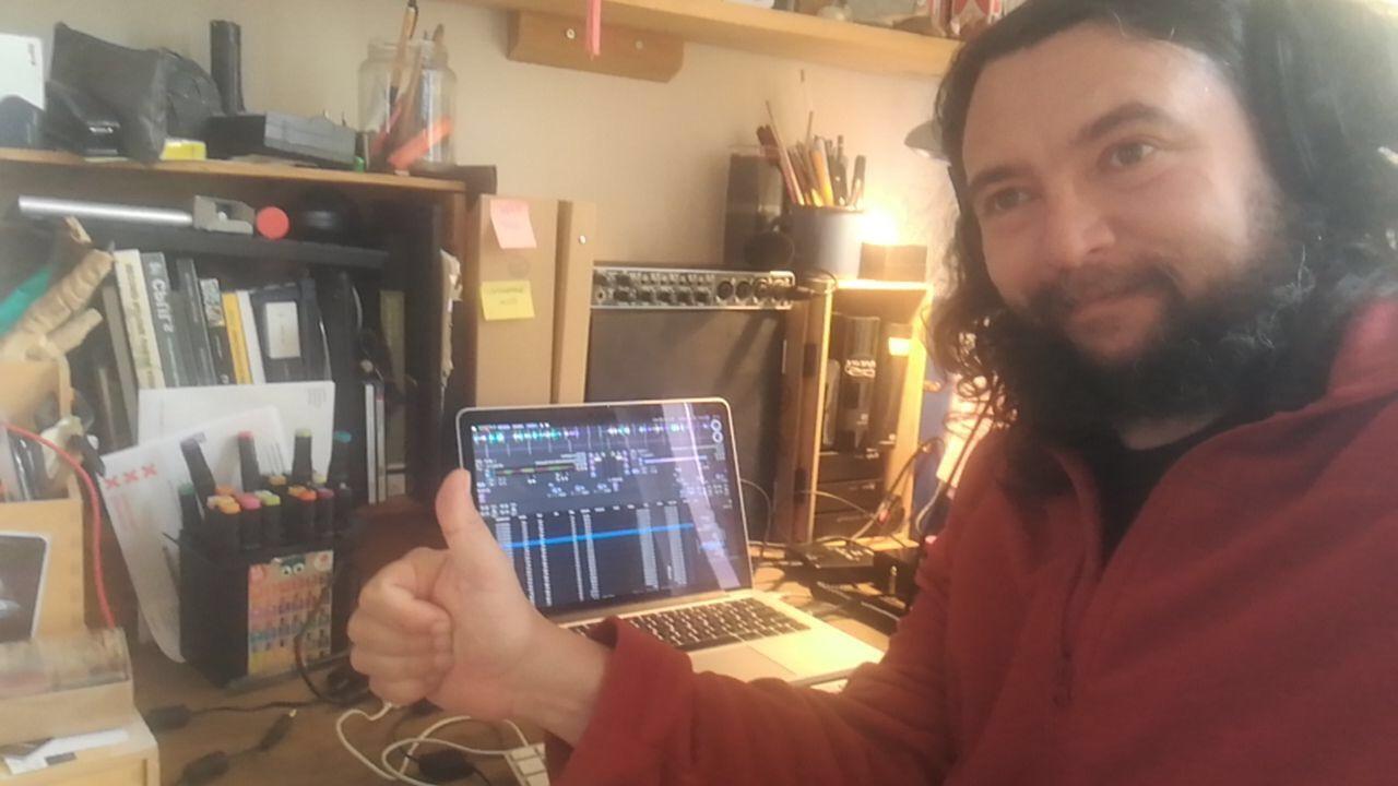 Federico Bonelli trasmette su radio antidoto