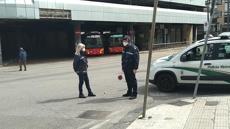 coronavirus. controlli della polizia metropolitana di messina