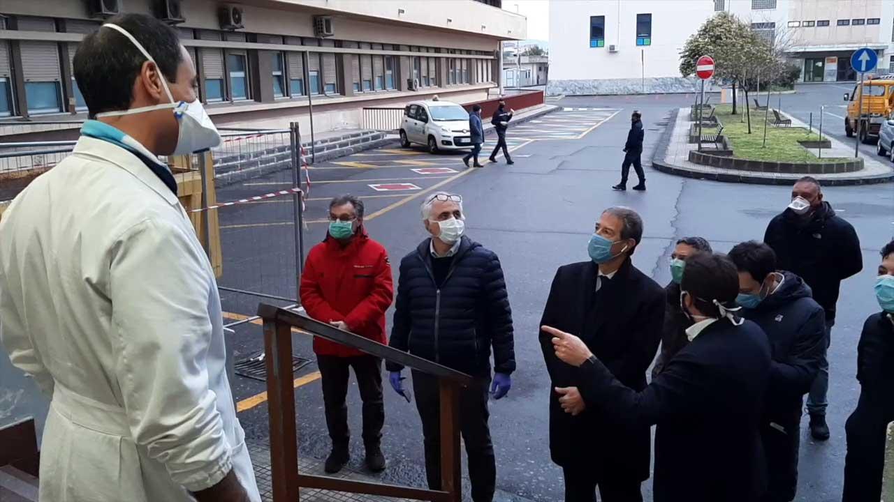 nello musumeci e ruggero razza a messina: sopralluogo negli ospedali della città che stanno gestendo l'emergenza coronavirus