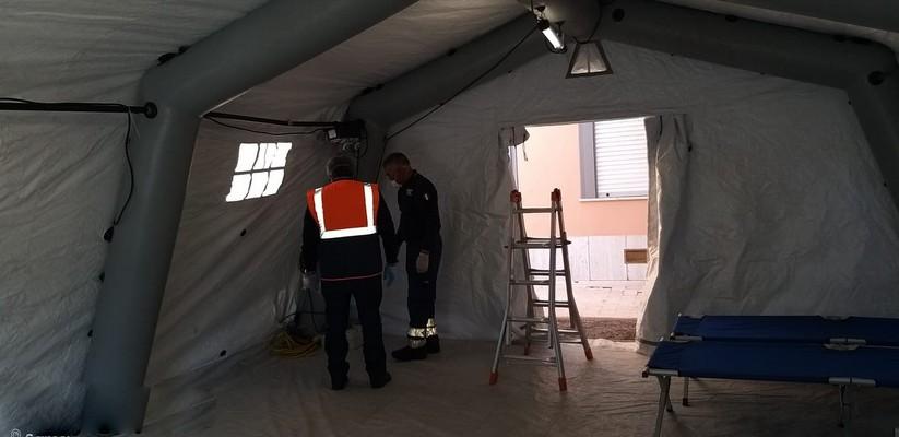 posto medico avanzato all'ospedale papardo di messina per gestire l'emergenza coronavirus