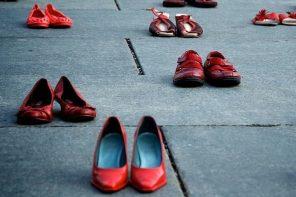 scarpe rosse, simbolo del femminicidio contro la violenza sulle donne