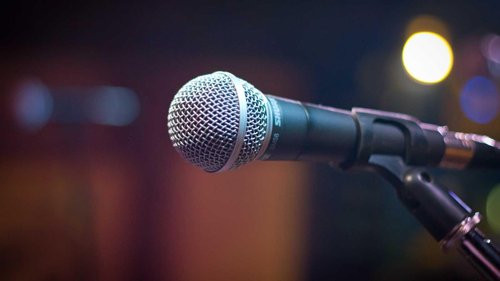 foto di un microfono