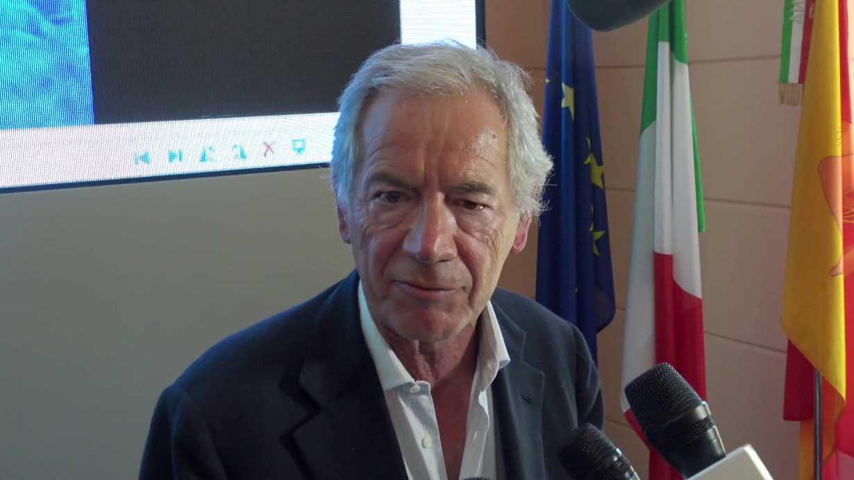 guido bertolaso in sicilia per la presentazione dell'app Sicilia Sicura per il contenimento del coronavirus