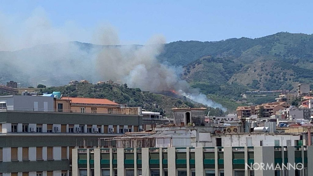incendio a camaro san paolo a messina