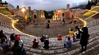teatro antico di taormina dopo il lockdown a causa del coronavirus nella settimana dei musei gratis