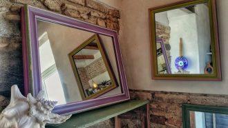 specchi in mostra a casa peloro