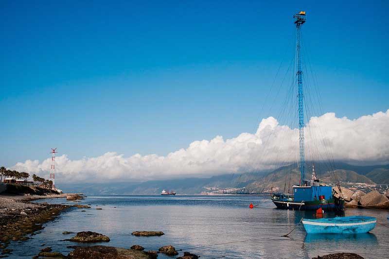 feluca nello stretto di Messina