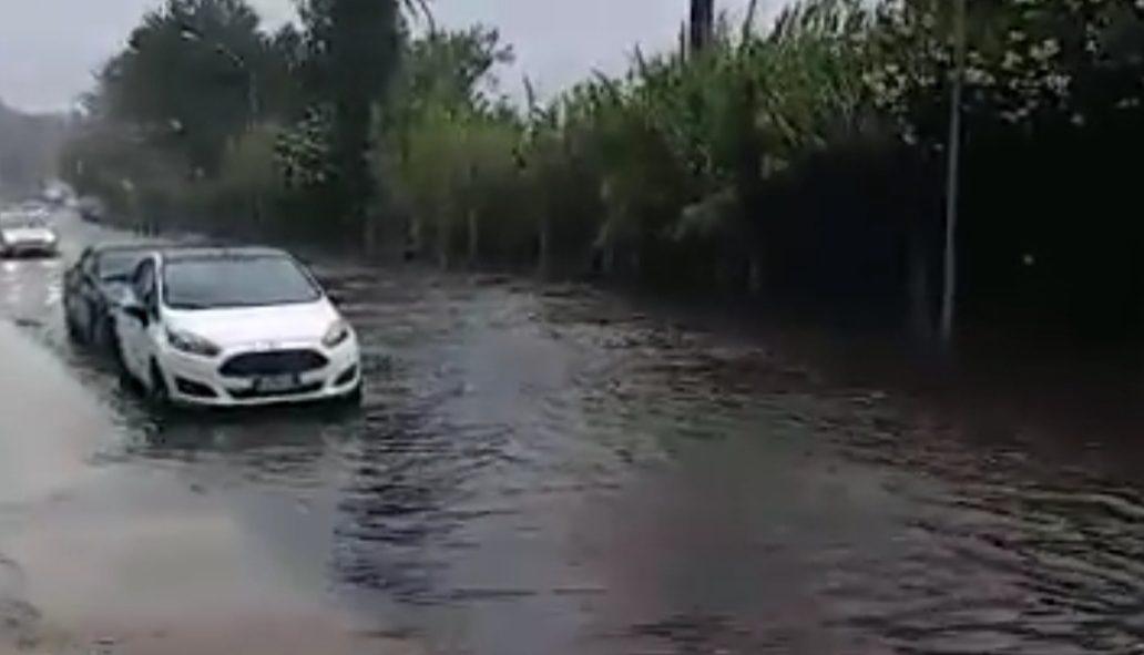 lago di ganzirri: ganzirri allagata durante pioggia e maltempo a messina