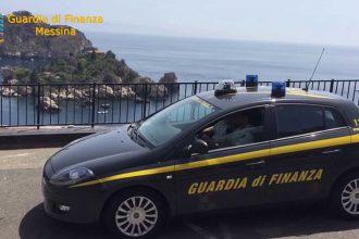guardia di finanza di messina a taormina per l'operazione tourist tax: sequestro da quasi mezzo milione di euro a 17 hotel