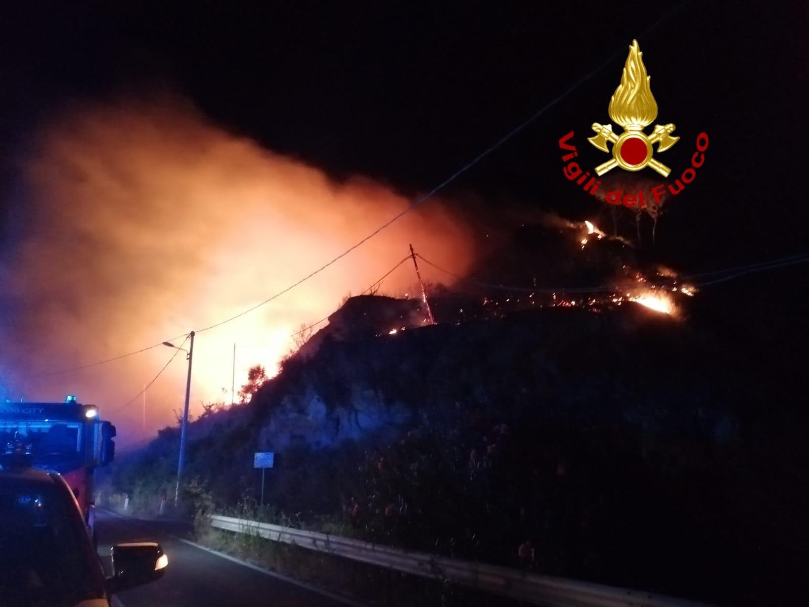 incendi messina nella notte tra il 29 e il 30 agosto