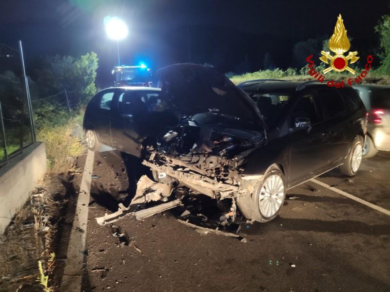 foto delle auto dopo incidente a Messina, in località piano torre